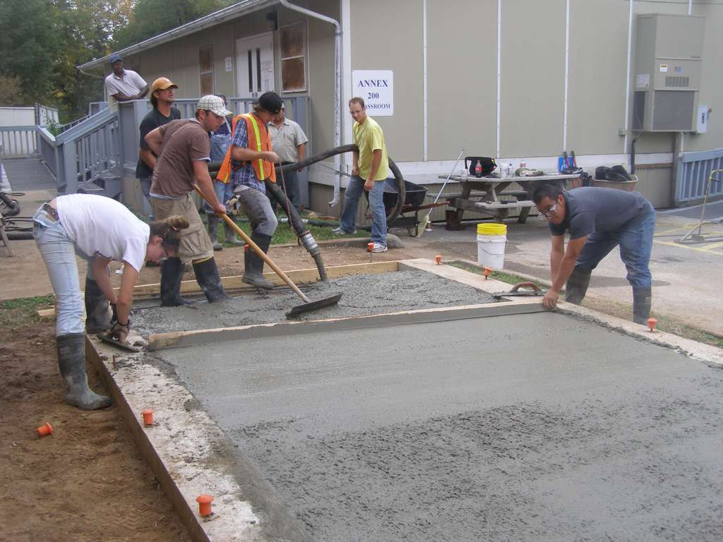 pumping and screeding concrete