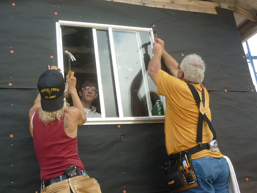 students install a window