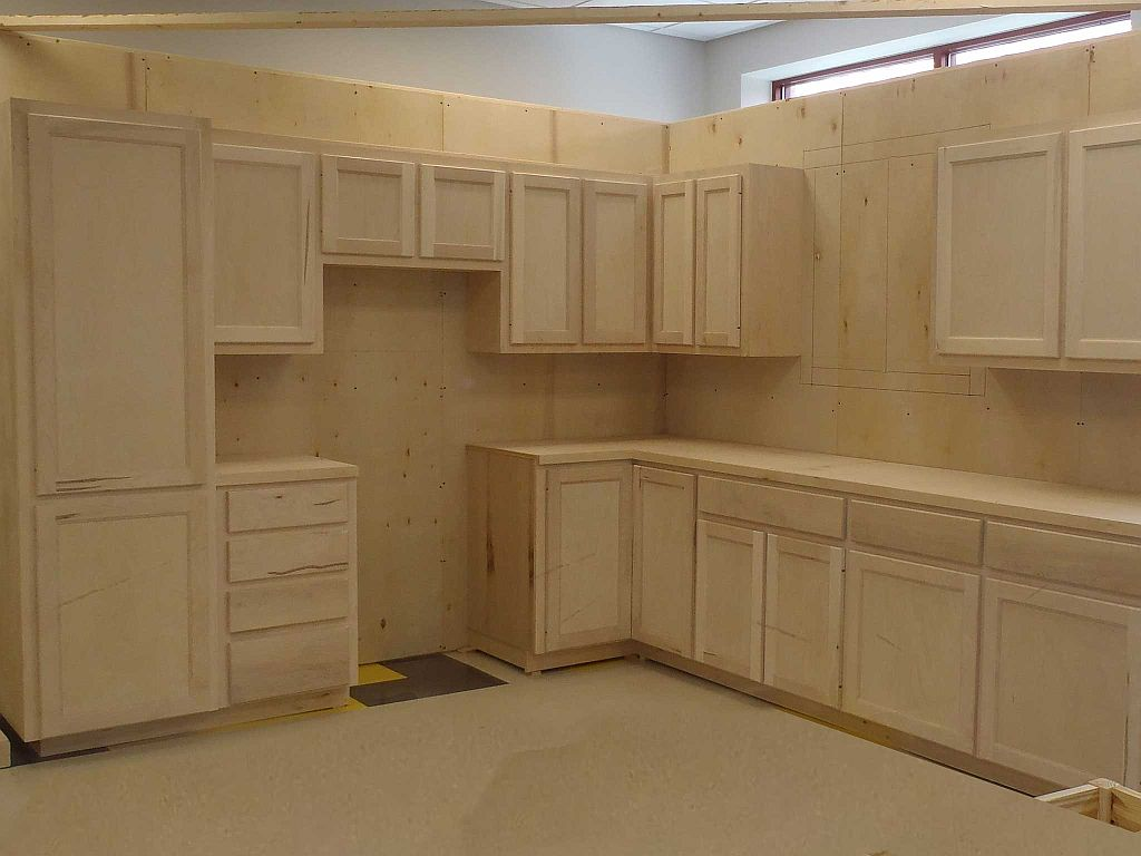 completed and installed kitchen cabinets