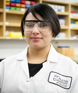 The authentic biotech lab experiences Sonja Lopez-Tellez had as an Austin Community College student will become more plentiful when the college opens a $4.9 million biotech research wet lab in 2016.