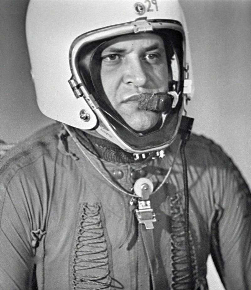 Gary Powers in High-Pressure Suit for Stratospheric Flying, 1960, RIAN archive 35172