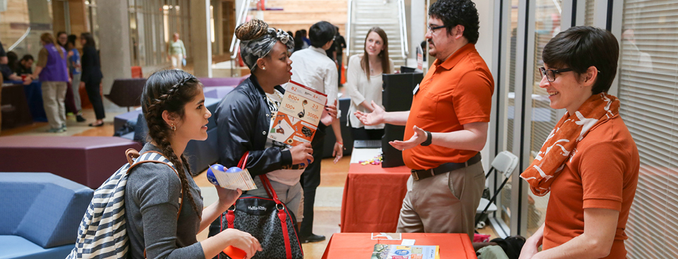 ACC Students speak with university recruiters during Transfer Week