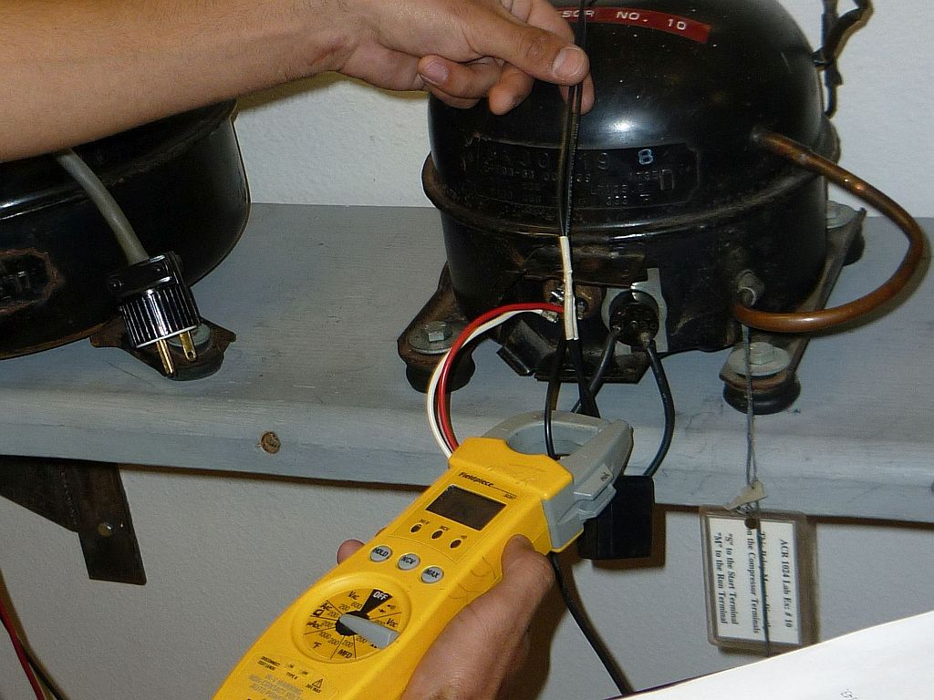 measure current-potential relay
